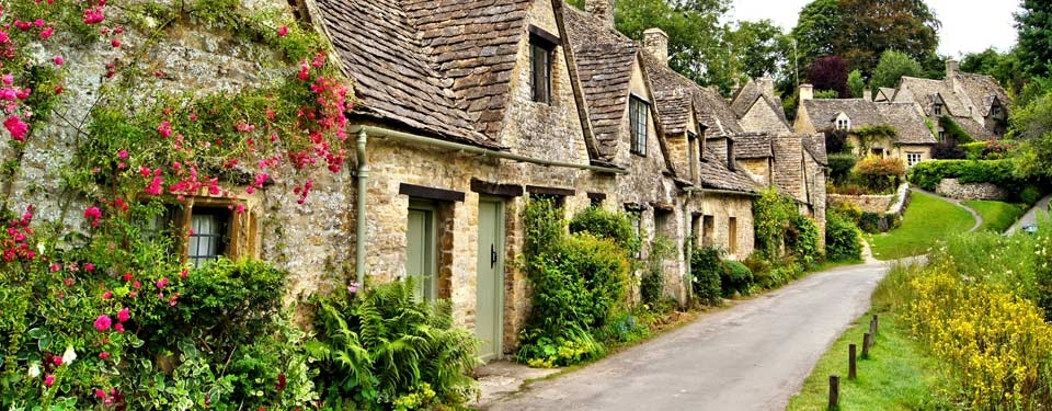 Cotswolds Walking: Find Your Fairytale on the English Countryside